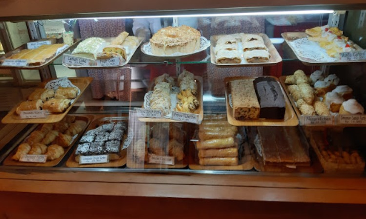 Tizi Cake Shop & Restaurant
